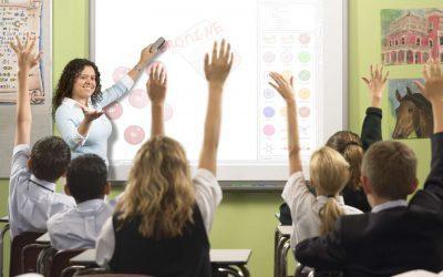 Có nên đưa công nghệ cao vào giáo dục?