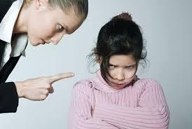 Tiết chế cảm xúc bản thân để bé không bị tổn thương